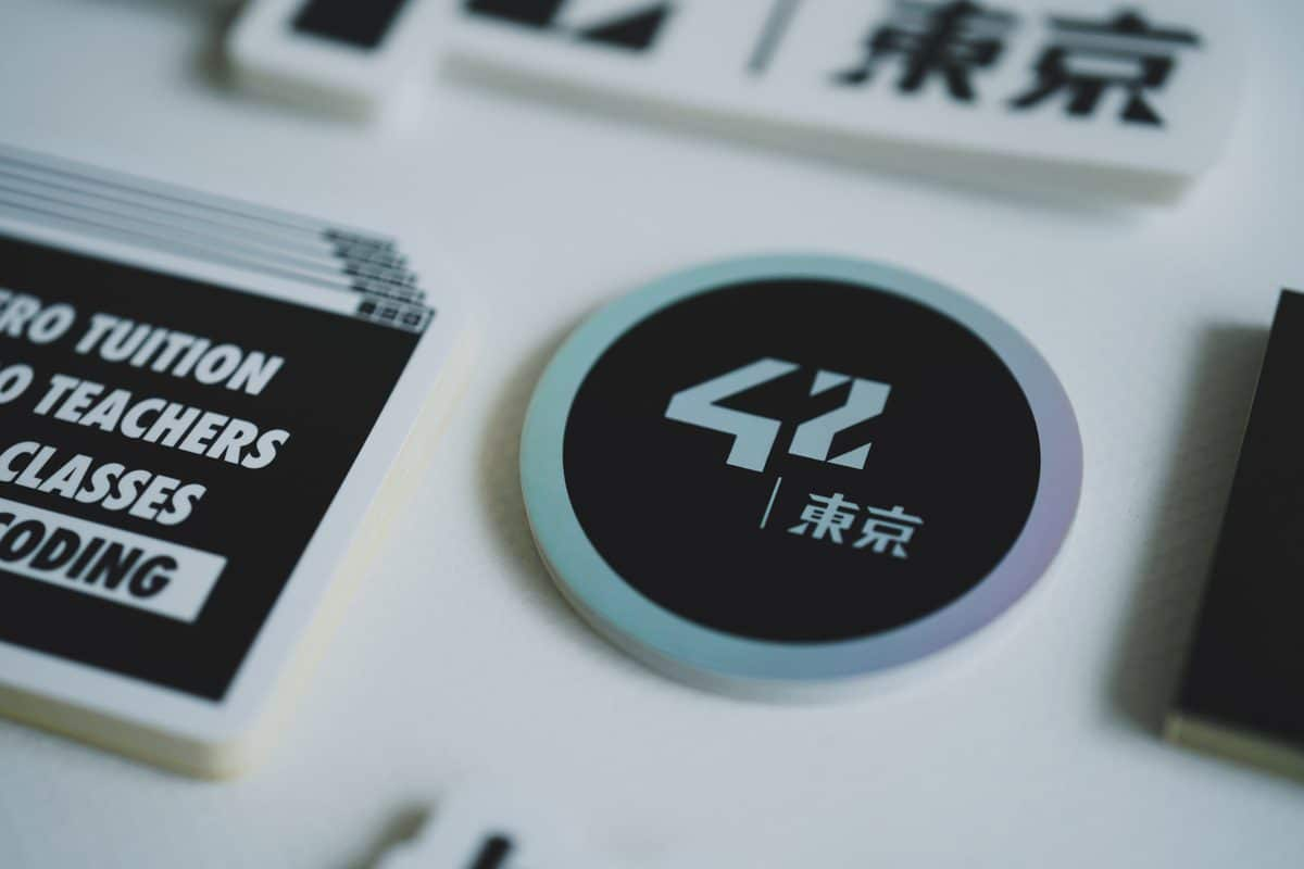 シール印刷事例:42 Tokyo様